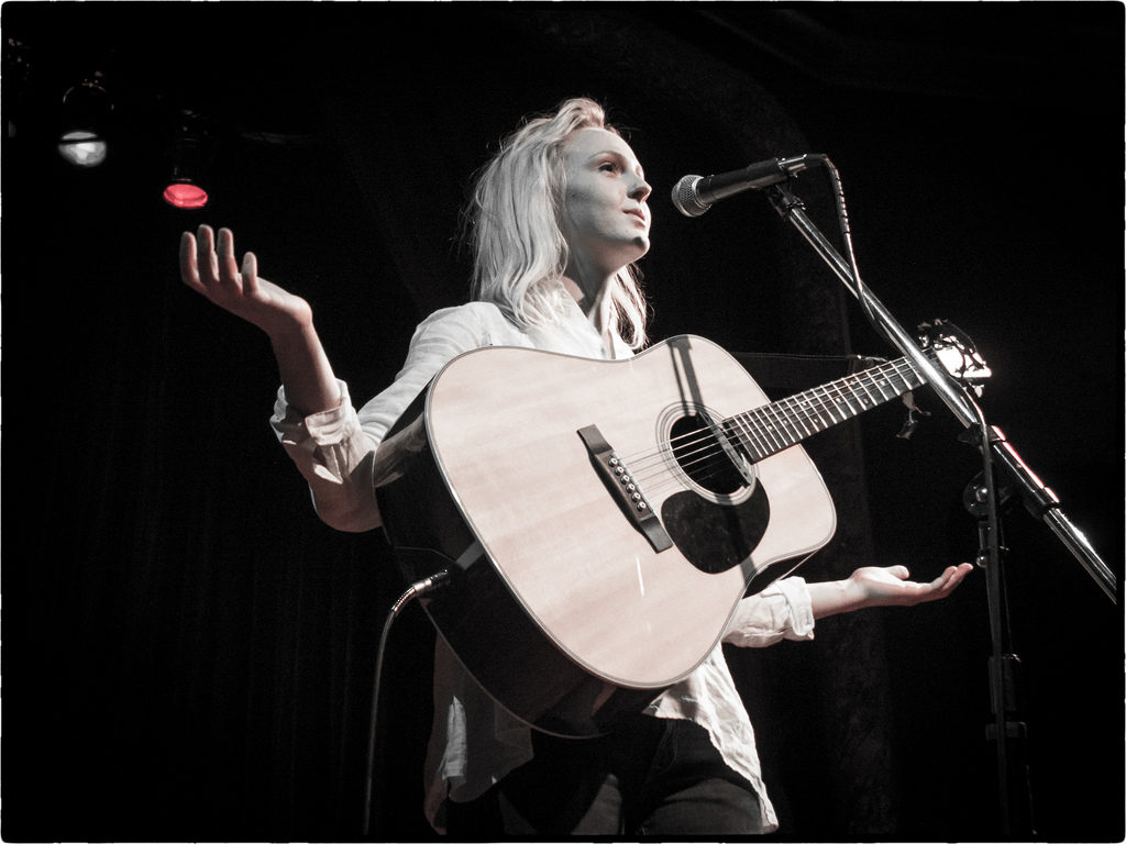 laura_marling_stagelooper_blog_the_rise_of_authenticity_2017